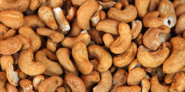 Food that prevent blackheads - Nuts