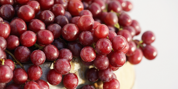 Food that prevent blackheads - Red Grapes