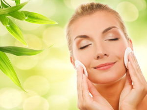 Finding the Best Natural Moisturizers for Your Face
